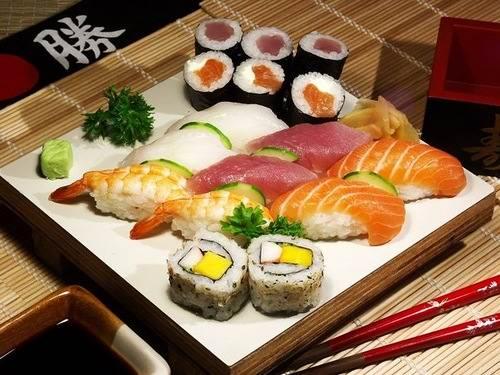Как подавать суши к столу